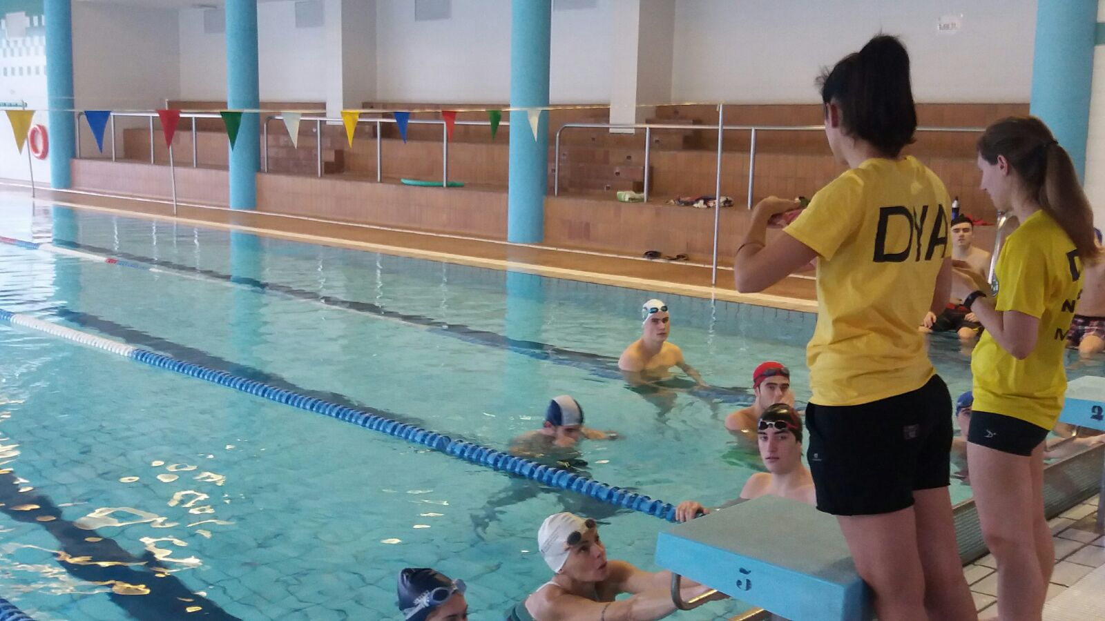 Dya navarra curso de socorrista de piscinas - Socorrista de piscina ...